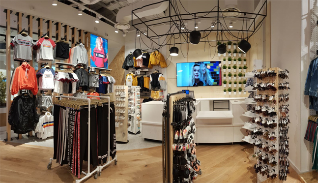 L obiettivo è fare propri i valori del New Retail diventando un  media-brand 1e9ed6662122