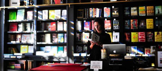 Aprire una Libreria: Guida Completa, Iter e Costi