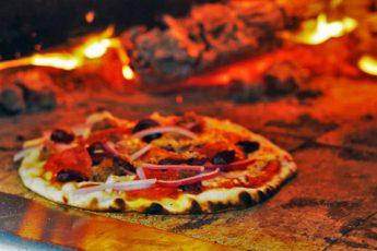Aprire una Pizzeria: Guida Completa, Iter e Costi